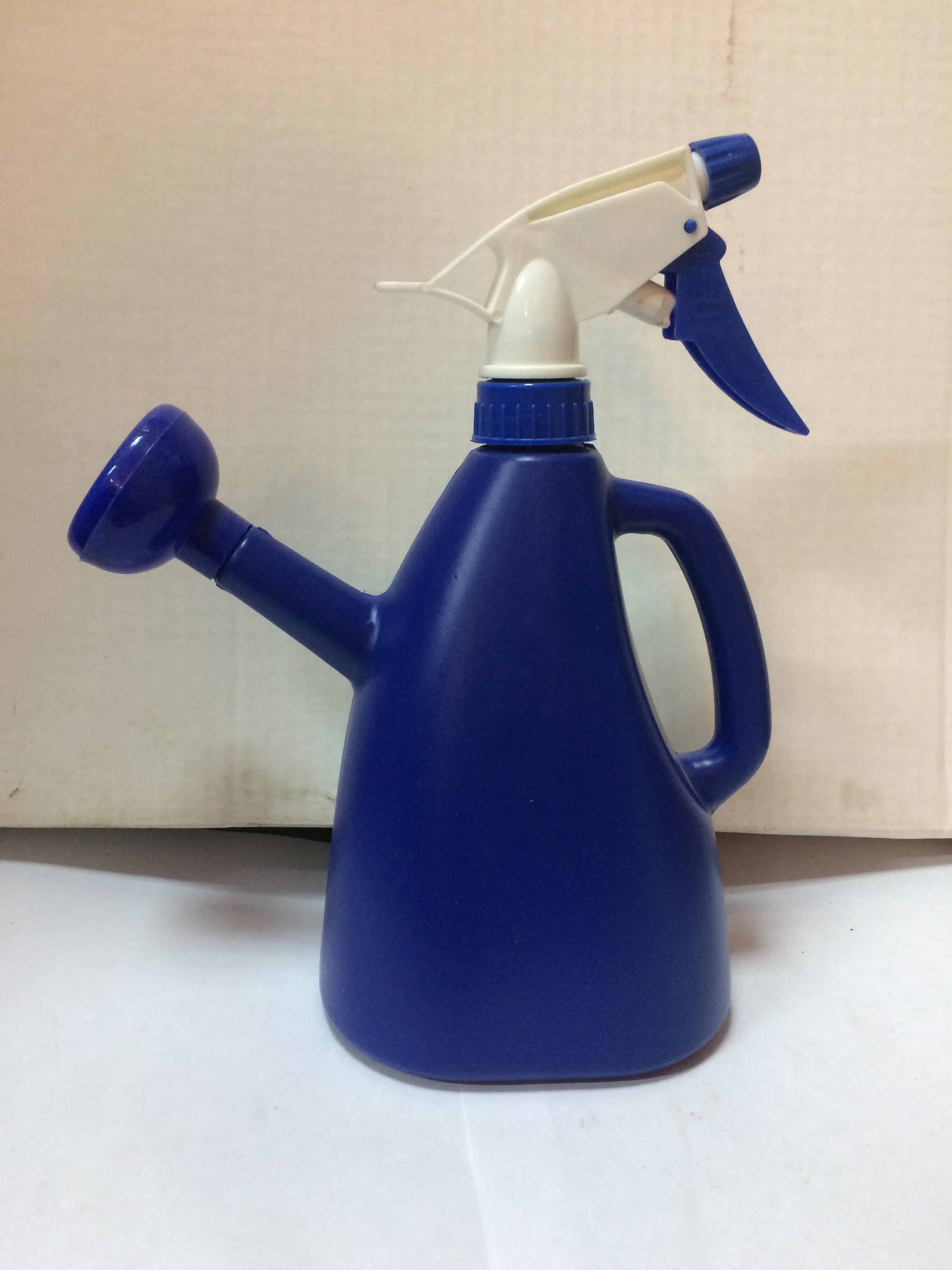opryskivatel-sinij-s-lejkoj